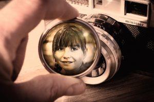 lens-833068_1920